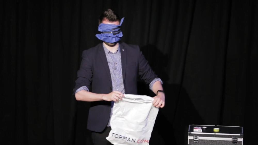 Edinburgh International Magic Festival - Elliot Bibby Blindfold
